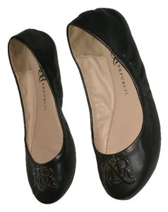 Rock & Republic Black Flats