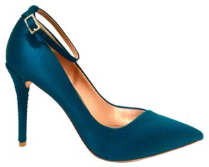 Badgley Mischka Bottle green Pumps