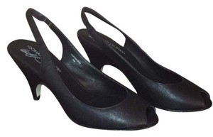 Donald J. Pliner Blac Pumps