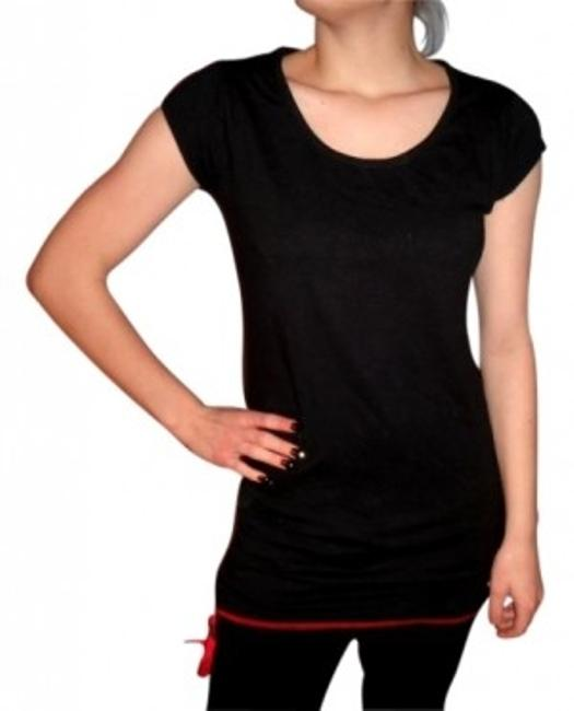 Item - Black and Red Tee Shirt Size 4 (S)