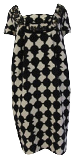 Item - Black and Ivory Knee Length Cocktail Dress Size 8 (M)