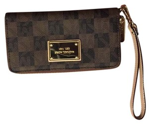 Michael Kors Wristlet in Multi Brown