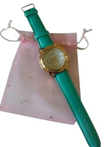 new green vegan leathet watch with free extra battery