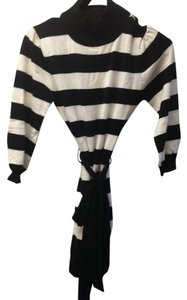 Suzy Shier Striped Bold Stripe Belted Top Black and White