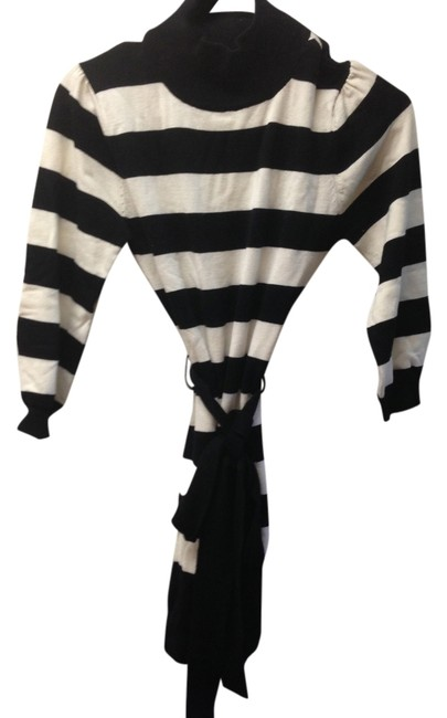 Suzy Shier Striped Bold Stripe Belted Tie Top Black and White