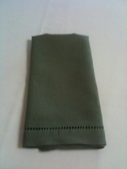 44 Sage Green Linen Dinner Napkins