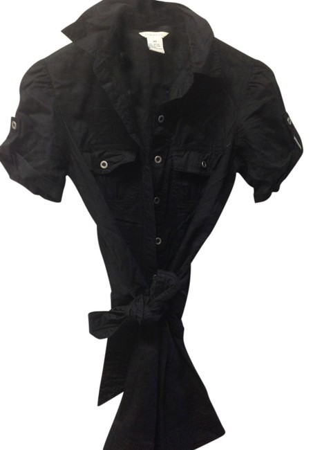 Preload https://item4.tradesy.com/images/maurices-black-button-down-top-size-2-xs-1090113-0-0.jpg?width=400&height=650
