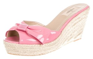 Valentino Patent Patent Leather Peep Toe Wedge Espadrille Jute Sandal Bow Embellished Textured New 10 40 Pink, Beige Platforms