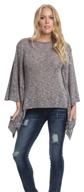 Preload https://img-static.tradesy.com/item/10904416/elan-grey-poncho-with-droopy-pockets-sweaterpullover-size-os-one-size-0-1-650-650.jpg