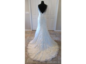 Allure Bridals Ivory Lace Couture Feminine Wedding Dress Size 10 (M)