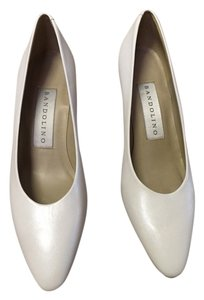Bandolino White Pumps