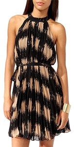 Forever 21 Night Out Date Night Pleated Dress