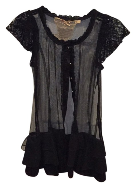 Preload https://img-static.tradesy.com/item/10913566/forever-21-night-out-top-size-8-m-0-1-650-650.jpg