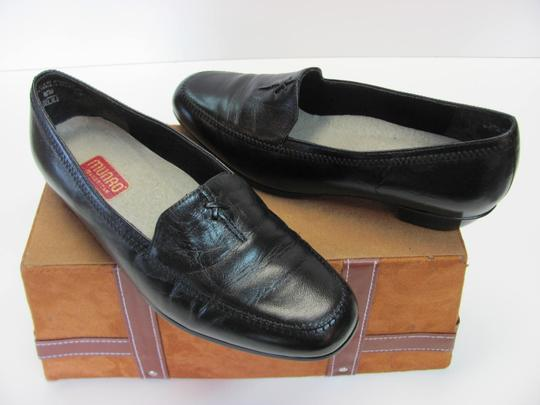 Munro American Size 7.00 Width Ww Soft Footbed Very Good Condition Black Flats Image 1