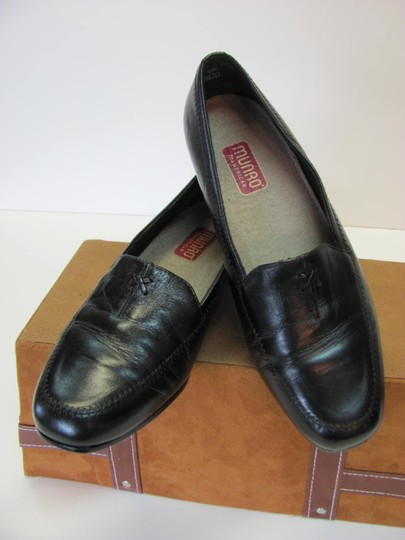 Munro American Size 7.00 Width Ww Soft Footbed Very Good Condition Black Flats Image 2