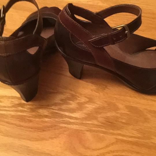 Clarks Two tone brown Pumps Image 1