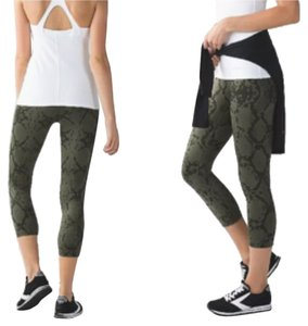 Lululemon New With Tags Lululemon Wunder Under Crop III zigg Snake Print Fatigue Green Size 6