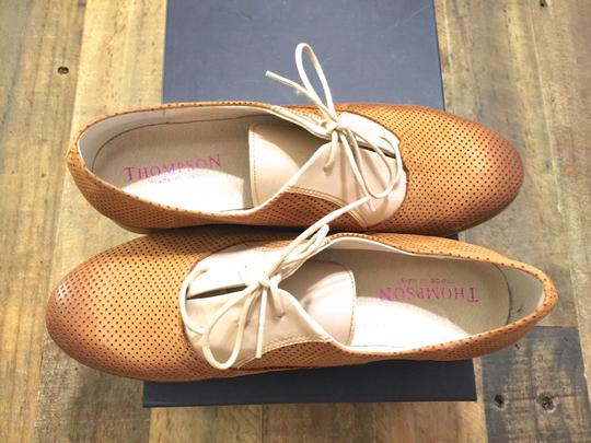 Thompson Oxford Oxford Perforated Perforated Made In Italy Italian Italian Loafers Italian Italy Tod's Loafers Chanel Chanel Beige/Camel Flats Image 1