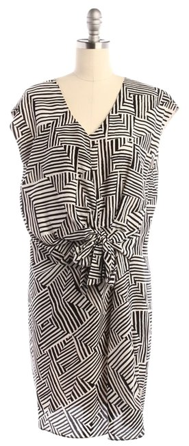 Preload https://img-static.tradesy.com/item/10923061/greylin-black-and-white-print-above-knee-short-casual-dress-size-8-m-0-1-650-650.jpg