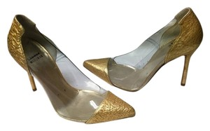 Stuart Weitzman Onview Pvc Pointed Toe Cap Toe GOLD Pumps