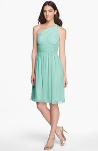 Donna Morgan Spearmint Chiffon Rhea Destination Bridesmaid/Mob Dress Size 8 (M)