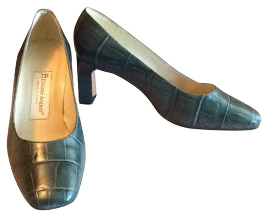 Etienne Aigner Forest green Pumps Image 0
