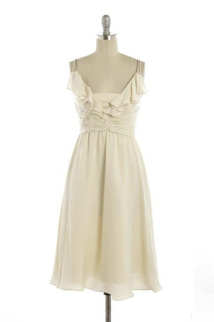 Item - Ivory Silk Spandex; Acetate Lining. Couplet Feminine Bridesmaid/Mob Dress Size 12 (L)
