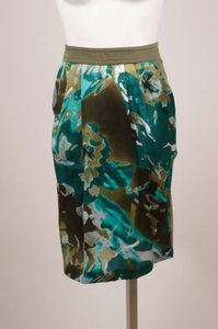 Max Mara Green Silk Panel Camouflage Print Pleated Pencil Skirt