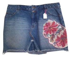 Thalia Sodi Denim Habiscus Mini Skirt blue denim