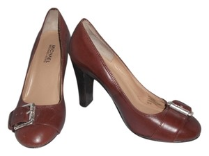 MICHAEL Michael Kors Stacked Heel Leather Brown Pumps