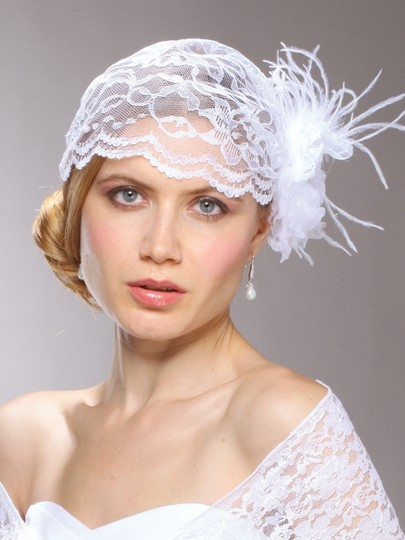 Vintage Inspired White Lace Juliet Cap With Detachable Flower & Feathers