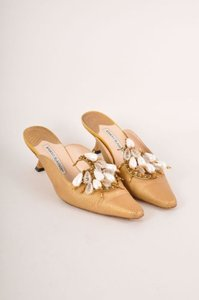 Manolo Blahnik Gold Lizard Beaded Pointed Toe Kitten Heel Mules