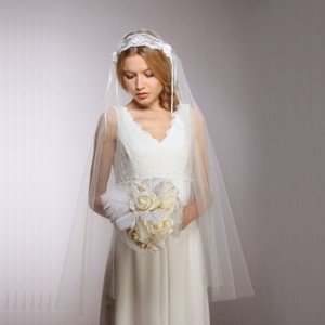 Couture Vintage Lace Juliet Veil
