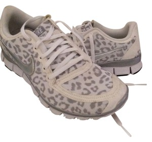 promo code d0db3 5cd0e Nike White and grey Athletic. Nike White and Grey Free 5.0 V4 Sneakers Size US  7.5 ...