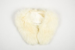 Vintage Yellow Ivory Satin Lined Fur Wide Wrap Collar
