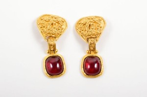 Chanel Vintage Chanel Gold Tone Metal Red Gripoix Stone Cc Clip On Drop Earrings