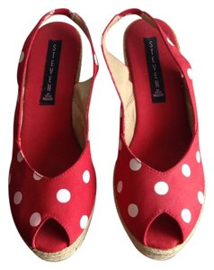 Steven by Steve Madden Red/White Wedges