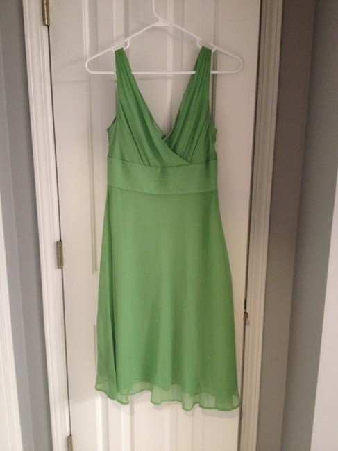 Item - Spring Green Silk 78054 Casual Bridesmaid/Mob Dress Size 4 (S)