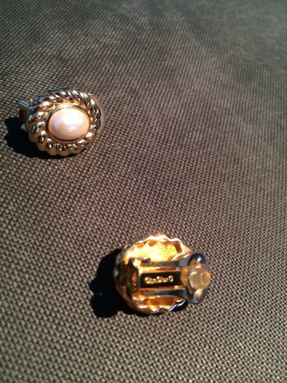 Dior Vintage Christian Dior Faux Pearl Earrings Set In Gold