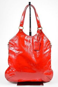 Saint Laurent Yves Patent Tote in Red