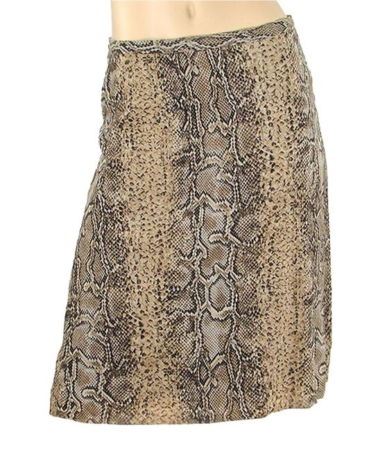 Preload https://item3.tradesy.com/images/dolce-and-gabbana-beige-black-python-print-silk-knee-length-skirt-size-4-s-27-1095937-0-0.jpg?width=400&height=650