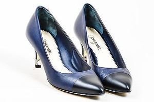Chanel Navy Black Pointed Cap Toe Faux Pearl Embellished Blue Pumps