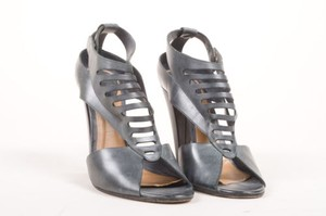 Chloé Chloe Gray Distressed Leather Sandals
