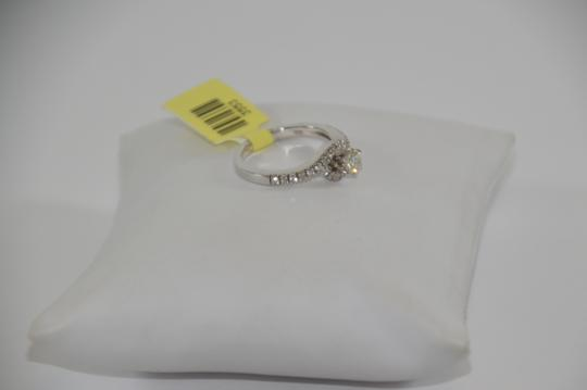 White Gold 0.65 Ct. Genuine Diamond 14k Size 7 Engagement Ring