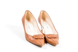 Manolo Blahnik Cognac Tan Pumps