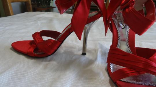 Luichiny Beautiful Red Formal