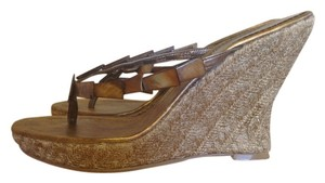Nine West Mother Of Pearl Copper Metallic Wedges