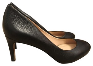 Banana Republic Blac Pumps