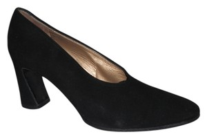 Saint Laurent Suede Vintage Black Pumps