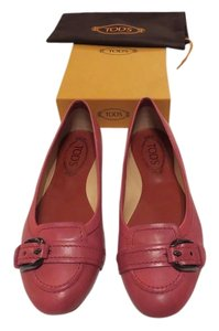 Tod's Stylish Comfortable Heel Cup Protection Garnet Flats